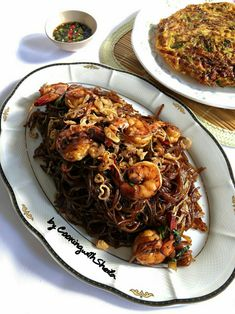 Cooking with Sheila Gondowijoyo Indonesian Recipes, Indonesian Food, Yummy Recipes, Yummy Food, Main Menu, Pulled Pork, Drink, Cooking, Ethnic Recipes