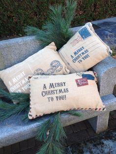 Jute kerst kussens met postcard print verkrijgbaar bij Creanoeska.nl