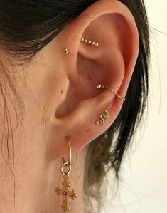 reasons why conch-ear piercings fury RN, . 10 reasons why conch-ear piercings fury RN, . 10 reasons why conch-ear piercings fury RN, . Gold Stacking Earrings, Ear Cuffs and Hoop Earrings Ear Porn Bijoux Piercing Septum, Innenohr Piercing, Smiley Piercing, Cute Ear Piercings, Conch Piercings, Conch Piercing Jewelry, Body Piercings, Peircings, Triple Ear Piercing