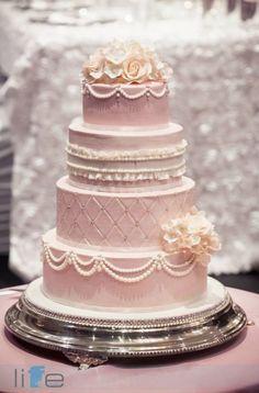 Featured Photographer: Life Studio Inc.; Wedding Cake: Sugar Penguin Cakery