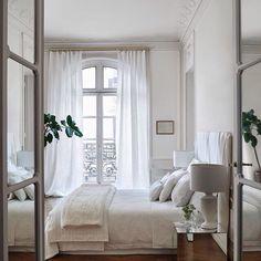 Interior Design Examples, Interior Design Inspiration, Bedroom Inspiration, Design Ideas, Modern Interior, Interior Sketch, Interior Doors, Design Design, Modern French Decor