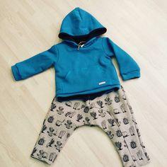 Por fin tenemos los estampados cactus de @piuetnau  dicen que lo bueno se hace esperar!!! #nins #ninsmanresa #piuetnau #kidsfashion #beautiful #instalike ##instadaily #instagood #modainfantil #moda #madeinbarcelona #cotton #ootd #fashion #picoftheday #photooftheday #bestoftheday #letkidsbekids #cactus #cool #cute #fashionkids #colours