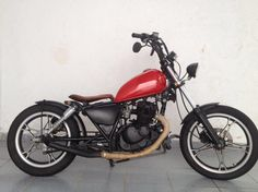 Suzuki Intruder 125cc Bobber Bmx Bikes For Sale, Cool Bikes, Custom Motorcycles, Custom Bikes, Scooters, Best Bmx, Tracker Motorcycle, Bike Illustration, Beetle Car