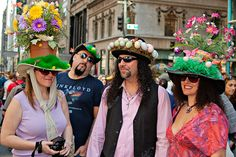 Collection of street photography from New York City by Brian Ramnath Easter Hat Parade, Spring Fashion, Kids Fashion, Easter Bonnets, Crazy Hats, Red Hats, Street Photography, Alice, Nyc