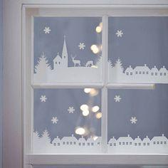 déco fenêtre Noël en papier blanc avec un éclairage intérieur                                                                                                                                                                                 Plus
