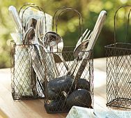 Easy does it! A simple way to serve a casual lunch for friends and family using wire baskets. #organizing