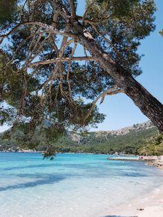 Playa de Formentor – ein Strand wie in der Karibik Playa de Formentor – a beach like in the Caribbean – Mallorca moments Beach Fun, Ocean Beach, Estilo Tropical, Beautiful Places To Travel, Majorca, Travel Couple, Beautiful Islands, Travel Around, Scenery