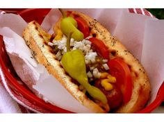 16 Creative Hot Dog Recipes for Your Next Cookout – Parade Hot Dog Toppings, Beef Hot Dogs, Burger Dogs, Hot Dog Recipes, Pork Recipes, Little Lunch, Sweet Pickles, Chicago Style, Thats The Way