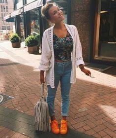 look tênis laranja supercolor adidas