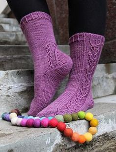 Free sock knitting pattern! Kevathuuma socks by Tiin Kuu. Sportweight sock knitting pattern.