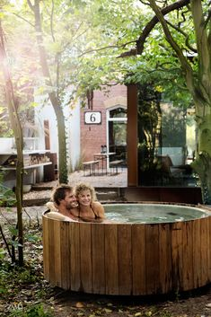 Project by Jeroen van Zwetselaar Hot Tub Deck, Hot Tub Backyard, Wood Spa, Forest House, Outdoor Living, Outdoor Decor, Architecture Old, Pool Landscaping, Plein Air