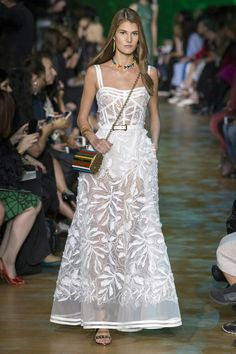 ad8b788e63a2f 40 melhores imagens de Vestidos brancos do red carpet - Casamentos ...