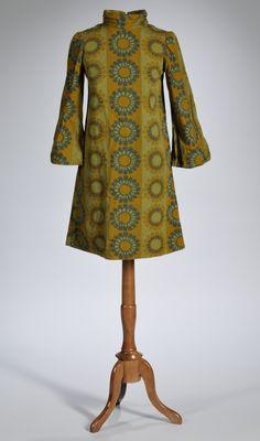 Google Image Result for http://www.skinnerinc.com/blog/wp-content/uploads/2011/11/vintage-Marimekko-dress-2576M.png