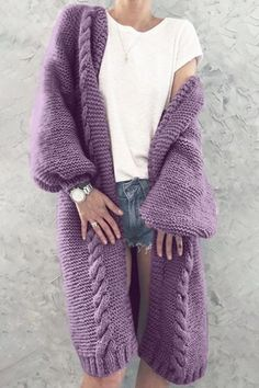 Gorgeous crochet blanket cardigan you can make with this free crochet pattern. This crochet cardigan is the perfect crochet top for any outfit this se Cardigan Au Crochet, Knit Cardigan Pattern, Long Knit Cardigan, Loose Sweater, Crochet Cardigan Pattern Free Women, Knitted Coat Pattern, Oversized Cardigan, Mode Mantel, Moda Casual