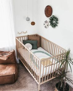 'Rainbow Cot Quilt 'Sage' Bebek Odası – Home Decoration Rustic Baby Rooms, Baby Boy Rooms, Baby Boy Nurseries, Baby Boys, Baby Cribs, Baby Nursery Decor, Nursery Neutral, Baby Decor, Nursery Room