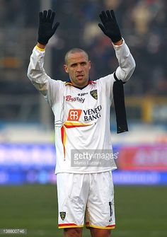 Guillermo Giacomazzi of US Lecce salutes the crowd at the end of the Serie A match between Atalanta BC and US Lecce at Stadio Atleti Azzurri d'Italia...