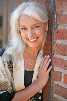 Gray Wig Lace Frontal Wigs roux hair rinse for grey hair – vooklly Long Gray Hair, Grey Wig, Blond, Silver Haired Beauties, Silver White Hair, Hair Rinse, Color Plata, Ageless Beauty, Silky Hair