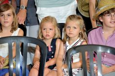 Princess Leonor Photos - Princess Sofia of Spain (L) and Princess Leonor of Spain (R) attend Jaume Anglada's pop concert during the third day of 29th Copa del Rey Mapfre Audi Sailing Cup on August 4, 2010 in Palma de Mallorca, Spain. - 29th Copa del Rey Audi Mapfre Sailing Cup - Day 3