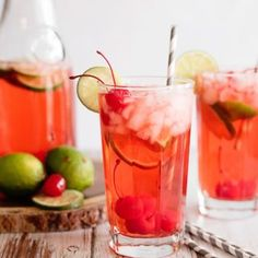Looking for a refreshing summer drink? This sparkling cherry limeade recipe has everything you crave in a beverage on a hot summer day! Fruity Sangria Recipe, Cherry Limeade Recipe, Sangria Recipes, Drink Recipes, Recipe For Mom, Mom's Recipe, Chocolate Cake From Scratch, Cinnamon Roll Cheesecake, Banana Split Dessert