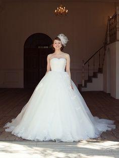 Cinderella & Co.  (シンデレラ・アンド・コー)  レースが美しいハートシェイプのプリンセスドレス SS4617