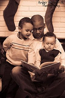 Dad, reading to kids