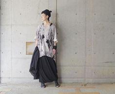 SS17 Women's style . Tops: #distortion3  Onepeace: #nudemm  Beanie: #nostrasantissima Stole: #nostrasantissima . #ss17 #17ss #monotone #black #allblack #noir #blackandwhite #coordinate #fashion #outfit #outfits #ootd #minimal #instamood #style #instafashion #minimalmood #mode #outfitoftheday #moda #styleoftheday #时装 #패션 #やまなみ工房mora_fukuoka