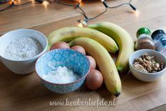 Bananenbrood zonder suiker en boter Diet Recipes, Healthy Recipes, Healthy Food, Low Carb Bread, Serving Bowls, Homemade, Breakfast, Tableware, Desserts