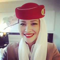 Emirates stewardess crewfie @kimbea31 Airline Cabin Crew, Emirates Airline, Airplane Fighter, Airline Flights, Commercial Aircraft, Flight Attendant, Glamour, Healthy, Beautiful