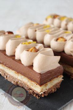 C'est en voyant la recette de Julien (Rêve de pâtissier) que je me suis lancée dans ce dessert. Un dessert hyper gourmand composé d'un croustillant praliné, d'une dacquoise noisette, d'un crémeux chocolat noir et thé noir à la bergamote et d'une ganache montée au gianduja. J'ai découvert l'association chocolat noir et thé à la bergamote … … Lire la suite →