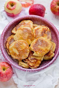 Placki jogurtowe z jabłkami   Moje Wypieki Cake Recipes, Snack Recipes, Snacks, A Food, Food And Drink, Eat Breakfast, Pretzel Bites, Lunch Box, Chips