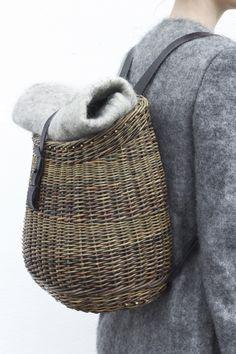 awesome Tendance Basket 2017 - The Handmaker Collection Willow Weaving, Basket Weaving, Handbags For School, Basket Bag, Basket 2017, Backpack Bags, Picnic Backpack, Fashion Bags, Wicker