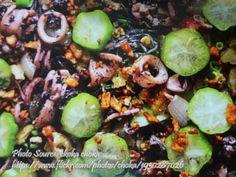 Pancit Pusit http://www.panlasangpinoymeatrecipes.com/pancit-pusit.htm #PancitPusit #SquidNoodles #SquidSotanghon