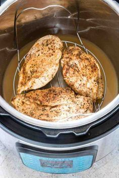 YUMMY Instant Pot chicken breast recipe, you've found it! This Instant Pot recipe produces flavourful, moist, and delicious chicken breasts in no time at all. Use fresh chicken breasts or frozen chicken breasts! You will love this easy Instant Pot recipe. Chicken Breast Instant Pot Recipes, Instant Pot Dinner Recipes, Chicken Breast Recipes Healthy, Healthy Recipes, Free Recipes, Air Fryer Recipes Chicken Breast, Instant Pot Meals, Healthy Food, Online Recipes