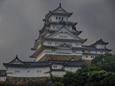 Himeji Castle on the day typhoon Lionrock hit Japan [OC] Himeji Castle, Nihon, Japanese Culture, Enchanted, Castles, Samurai, Around The Worlds, Mansions, Architecture