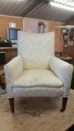 Bedroom chair with horsehair stuffing Horsehair, Bedroom Chair, Stuffing, Armchair, House Design, Furniture, Home Decor, Sofa Chair, Homemade Home Decor