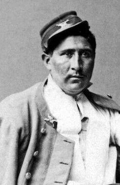 Manuel Lara, subteniento del Regimiento Carabineros de Yungay. Resultó herido en la Batalla de Miraflores.