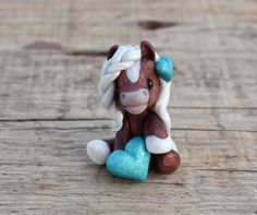 Genuine and original polymer clay sculpture designed and handmade with love by Elisabete Santos Polymer Clay Sculptures, Polymer Clay Animals, Cute Polymer Clay, Cute Clay, Polymer Clay Projects, Polymer Clay Charms, Polymer Clay Creations, Sculpture Clay, Diy Clay