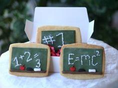 Back To School Chalkboard Cookies – DIY Tutorial Back To School Party, Back To School Crafts, School Parties, Galletas Cookies, Cute Cookies, Sugar Cookies, Fondant Cookies, Mini Cookies, Fondant Icing