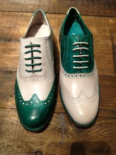 Cole Haan wing tip, dual color tone mix lace up.