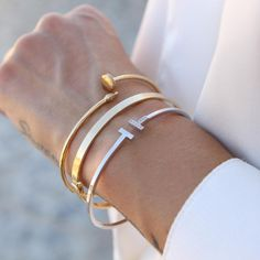 You can stack not only rings or necklaces, layered bracelets are a trendy thing, too! How to stack them right to achieve an ultra-modern and bold look Costume Jewelry Rings, Fashion Jewelry Necklaces, Fashion Bracelets, Women Jewelry, The Bangles, Gold Bangles, Gold Rings, Real Gold Bracelet, Gold Bangle Bracelet