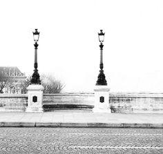 """11 mil curtidas, 71 comentários - Carin Olsson (@parisinfourmonths) no Instagram: """"Pont Neuf ❄️"""""""