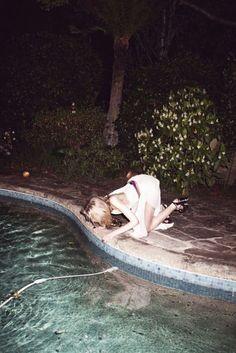 alice-n-wonder-land: ☯ Soft grunge/vintage here ☯ Soft Grunge, Grunge Photography, Urban Photography, White Photography, Newborn Photography, Photography Poses, Look Dark, Teenage Dirtbag, Film Inspiration
