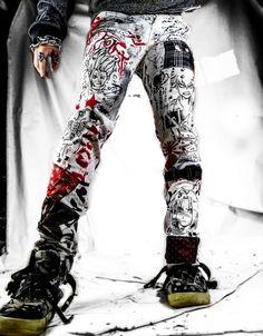 Alternative Mode, Alternative Fashion, Anime Pants, Custom Clothes, Diy Clothes, Goth Pants, Punk Outfits, Punk Goth, Ripped Denim