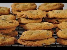 Chocolate Chunk Cookies - Joyofbaking.com *Video Recipe* Made these last night, they're goooood..