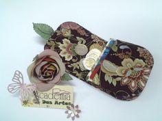 Passo-a-passo Porta-moedas e Cartões Claudia Wada, Sewing Art, Shops, Sunglasses Case, Coin Purse, Creations, Arts And Crafts, Diy, Inspiration