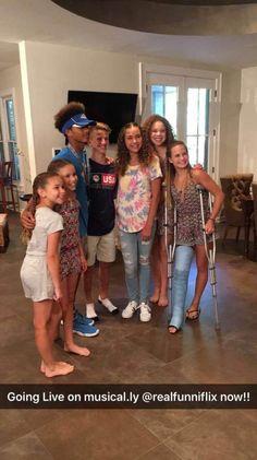 Long Leg Cast, No Name, Long Legs, It Cast, Crutches, Music, Musica, Crutch, Musik