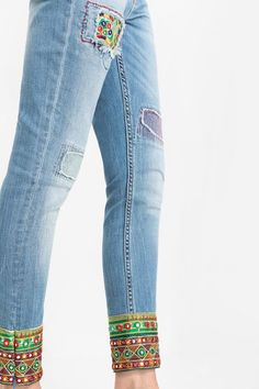 Desigual Jeans, bags and denim fashion. Our denim is not the same; Fashion Mode, Denim Fashion, Boho Fashion, Womens Fashion, Hippie Chic, Boho Chic, Jeans Recycling, Mode Jeans, Embellished Jeans
