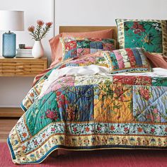 Soft cotton patchwork quilt features a landscape of posies to brighten your bedroom. Handcrafted by skilled artisans. Framed with rows of contrast florals. The Company Store Quilt Bedding, Bedding Shop, Comforter Sale, Colchas Country, Home Decor Sale, Boho Home, Blanket Cover, The Company Store, Furniture Collection