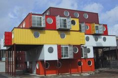 love it!  container housing at its best!