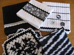 Miss Abigail's Hope Chest: Wedding Gift - Black and White